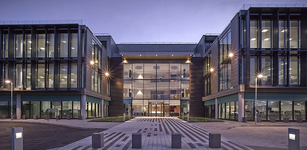 Imperial Tobacco Headquarters Roofline Group Uk Flat